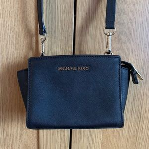 Michael Kors Selma Small Crossbody Bag